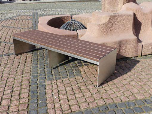 Banco wallstreet marrón de plástico reciclado